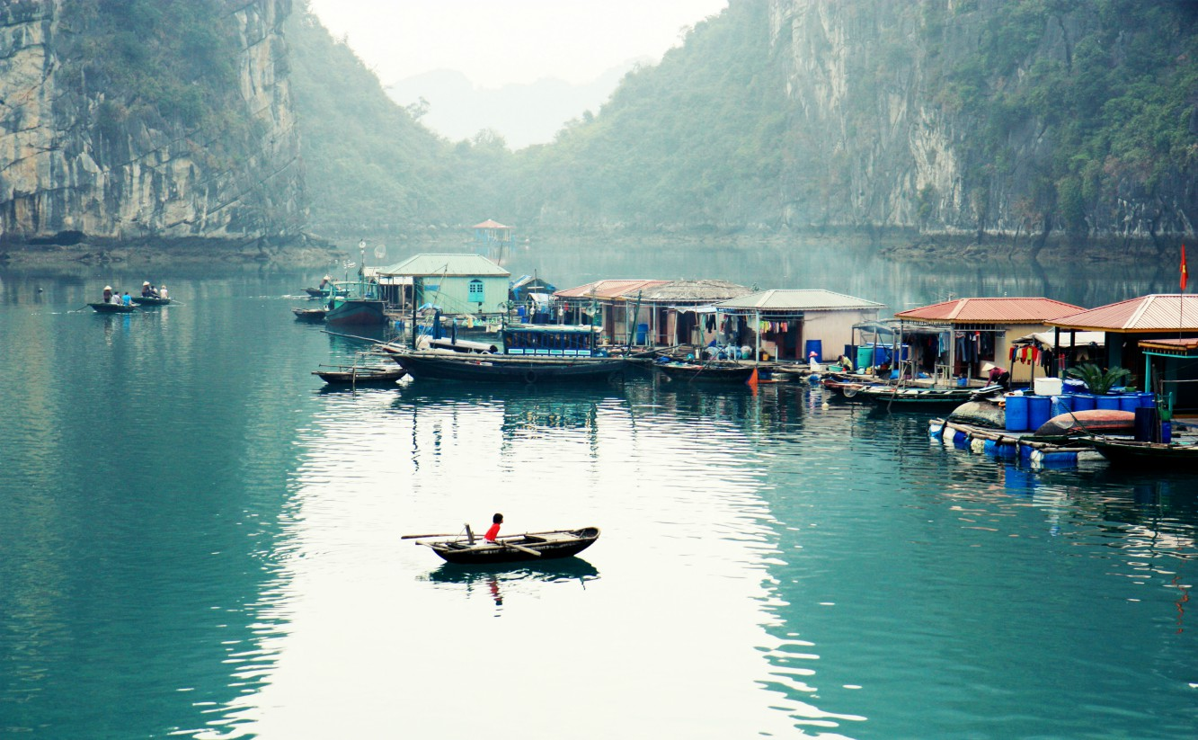 HA LONG - NOI BA - HUE